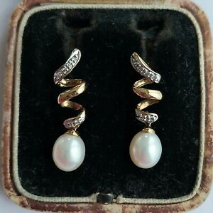 A Beautiful Pair Of Pearl & Diamond Earrings In 9ct Yellow Gold