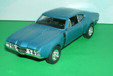 1/43 Scale 1968 Oldsmobile 4-4-2 Diecast Car Model 442 V8 - Welly 43711 Blue