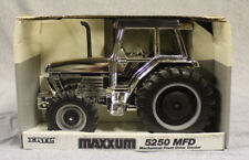 1/16 Ertl Case-IH 5250 Maxxum #676 Silver – RARE!