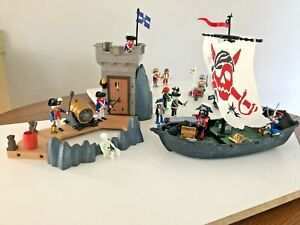 PLAYMOBIL PIRATE SHP & BASTION #5919 PLUS GLOW IN DARK PIRATES AND OTHERS