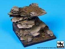 Black Dog (No Scale) Rocks Fantasy Diorama Base (60mm x 60mm) FD005