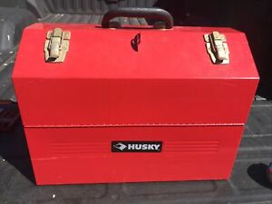 Husky 18 ins Cantilever Steel Toolbox Red