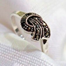 925 STERLING SILVER MARCASITE TIED IN A BOW  RING SIZE 8