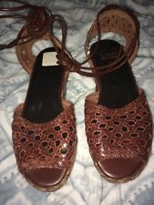 Stuart Weitzman Brown Woven Leather Leg or Ankle Strap Peep Toe Sandals SZ 5M