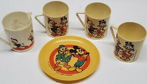 Vtg 1960 Walt Disney Mickey Mouse Club Plastic Childs Tea Set 4 Tea Cups & Plate