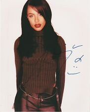 AALIYAH SIGNED 8X10 COLOR PHOTO POP R&B SINGER ACTRESS MODEL VERY VERY RARE