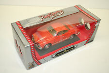 MODELLAUTO 1 : 18: 1966 VW KARMANN-GHIA, orange, ROAD SIGNATURE, NEU & OVP! 077