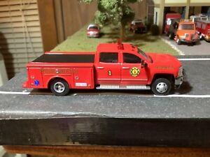 Custom Built 1/64 Chevrolet 3500 Paramedic Squad