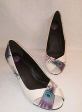 TUK  Women's Sz 9 Heels Ivory Turqouise Purple Patent Leather Peacock Feather