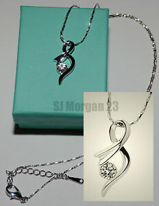 18K White Gold Plated Figure Eight Gem Pendant. 18 inch Necklace. UK Jewellery.