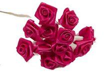 72 petites roses fuchsia. Décoration de mariage