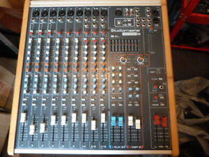 StudioMaster Horizon12 Mixer