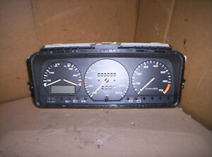 VW Passat 35i 1,8 Tacho Tachometer Kombiinstrument VDO 357919033AN 357919059A