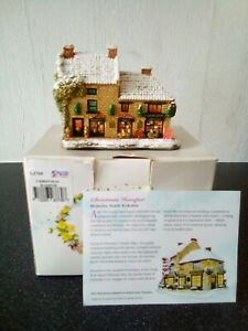 Lilliput Lane Christmas Hamper...with box and deeds.
