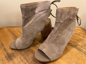 Franco Sarto Fenwick Suede Tie-Back Peep Toe Ankle Boots Women's 9 M Cocco 9M