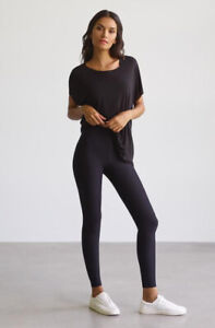 NEW COMMANDO Black Classic with Perfect Control Leggings SZ MED