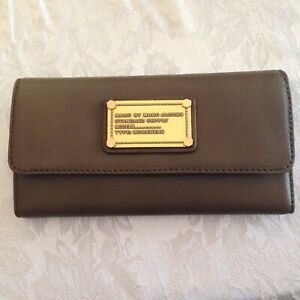 MARC JACOBS TRIFOLD GRAINED LEATHER WALLET NWT FUNCTIONAL