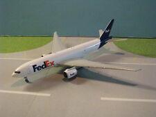 GEMINI JETS (GJFDX1529) FEDEX 777-200F 1:400 SCALE DIECAST METAL MODEL