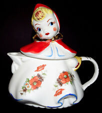 Regal / Hull Red Riding Hood Teapot - GREAT DECALS - BEAUTIFUL GOLD