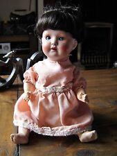 """12"""" armoire taille antique doll. marqué moule numéro 931-5/0"""