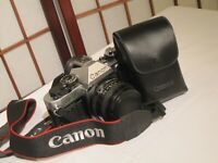 CANON AE-1 PROGRAM 35mm FILM EOS CAMERA w CANON FD 50mm 1:1.8 LENS & CANON 200E