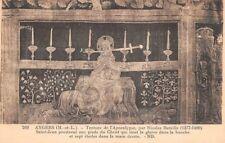 ANGERS - tenture de l'Apocalypse, par N. Bataille: St Jean aux pieds du Christ