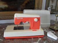 MACCHINA GIOCATTOLO PER CUCIRE VINTAGE IN PLASTICA macousette sewing machine