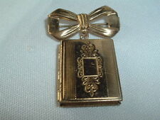 VINTAGE MOURNING PHOTO PICTURE LOCKET BROOCH PIN