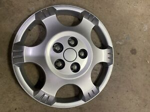 """2002-2007 Saturn Vue 16"""" OEM Hubcap Bolt On Very Nice Fits Good Hard To Find"""