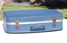 Valise bleue Hôtesse de de l'air vintage 52 cm