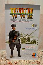 """Dragon #70319 12"""" WWII German ARTILLERY OFFICER (OBERLAUTNANT) MANFRED HECHT"""
