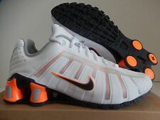 NIKE SHOX O'LEVEN TURBO WHITE-DARK OBSIDIAN-TOTAL ORANGE-GREY SZ 7 [429869-106]