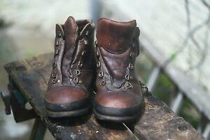 Brasher Hillmaster size 9 boots