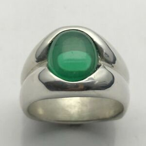 MJG STERLING SILVER MEN'S RING. 12 x 10mm OVAL CAB. NANO EMERALD. SIZE 9 1/4.