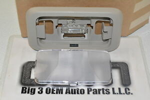 2004-2008 Chevrolet Colorado GMC Canyon Dome Light Lamp Gray new OEM 15126553