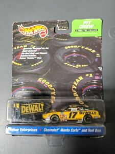 Hot Wheels Racing - Pit Crew Edition Reiser Enterprises #17 Dewalt Matt Kenseth!