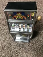 VINTAGE WACO CASINO CROWN SLOT MACHINE WORKS RINGS TOY BANK 25 CENT