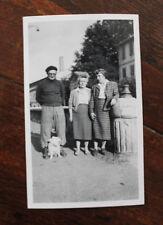 Photo famille Vintage snapshot 1955 Arles mode rétro berret Bouches-du-Rhône