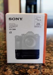 Sony VG-C3EM Vertical Grip for Alpha A7III, A9 and A7RIII - BRAND NEW!!!