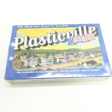 Plasticville #45434 Drive in Burger Stand kit. 1/87th scale.