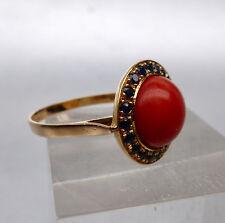 18 Kt. Gold 750 Ring mit grosser, natürlicher Koralle und Saphir, Grösse 58
