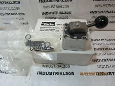 PARKER HYDRAULIC SELECTOR VALVE 8543F-10HD2XB326 NEW IN BOX