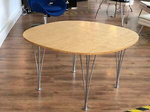 Fritz Hansen elliptischer Tisch / Konferenztisch von Piet Hein-Bruno Mathsson