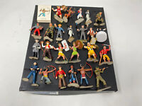 Lot Of 24 Vintage toy soldier figures plastic with cards Britains deetail