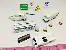 Realtoy Alaska Airlines Vehicle Accessories Signs Cones Play-set Lot SKU 069-015