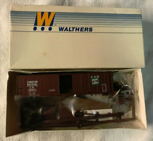 Walters HO 40ft Box Car Kit - Canadian National