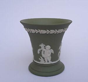 Wedgwood Jasperware Vase grün Putten England