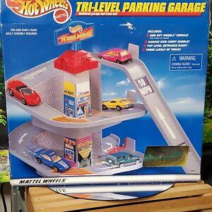 Vintage New Hot Wheels TRI-LEVEL PARKING GARAGE NIB, SEALED + CAMARO 1998 RARE!