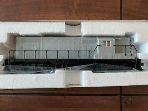 Atlas Classic HO EMD GP-7 Locomotive Undecorated Without Dynamic Brake 2 of 2