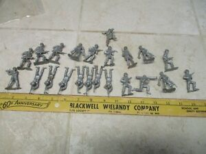 VTG Lot MPC 45mm Plastic Silver Army Men Toy Soldiers Figures 60's Accessory